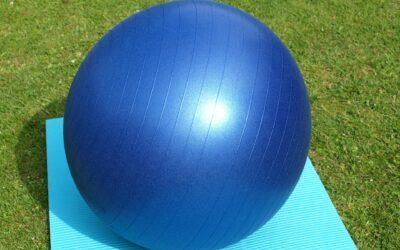 Jak na správné cvičení s míčem